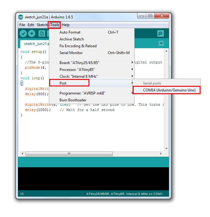 เลือก Port โดยไปที่ Tools -> Port -> COM (Arduino Uno)