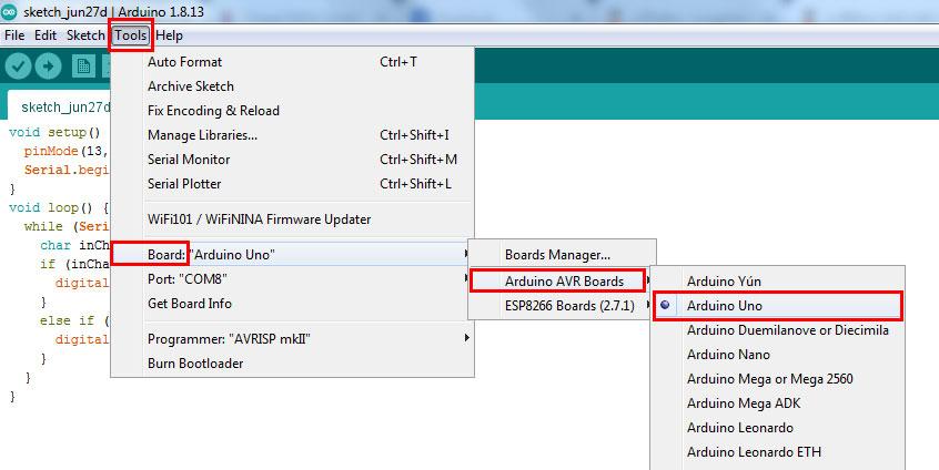 ไปที่ Tools -> Board -> Arduino AVR Boards -> เลือกบอร์ดเป็น Arduino UNO